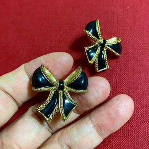 🖤K.J.L for AVON clip earrings